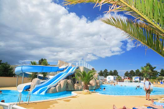 Locations vacances piscine normandie manche tourisme for Camping piscine normandie